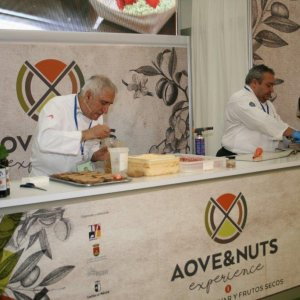AOVE & NUTS experience